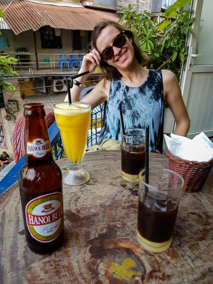 Piwo, wietnamska kawa i uśmiechnięta Ola