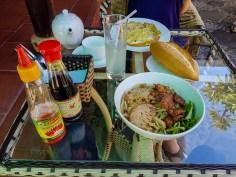 Śniadanie w Bonsai Homestay.