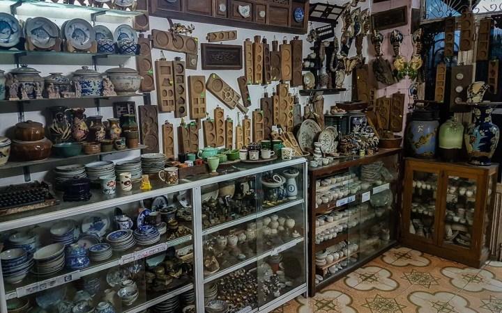 Sklep z ceramiką w Hoi An