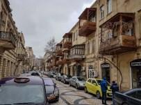 Resztki starego Baku broniącego się przed nowoczesnością